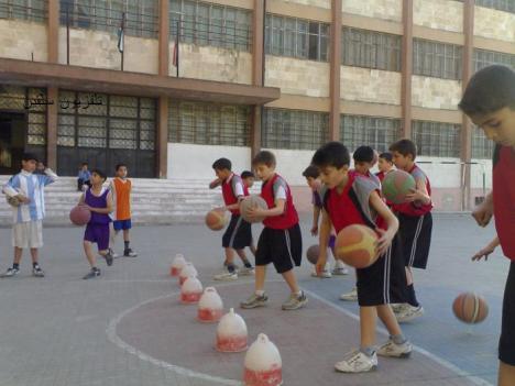 اثناء  التدريب  بمدرسة الأنشطة